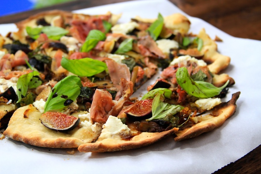 Fig and Prosciutto Flatbread with Balsamic Reduction