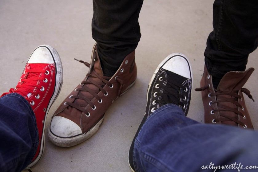 The photographers both wore Chucks.